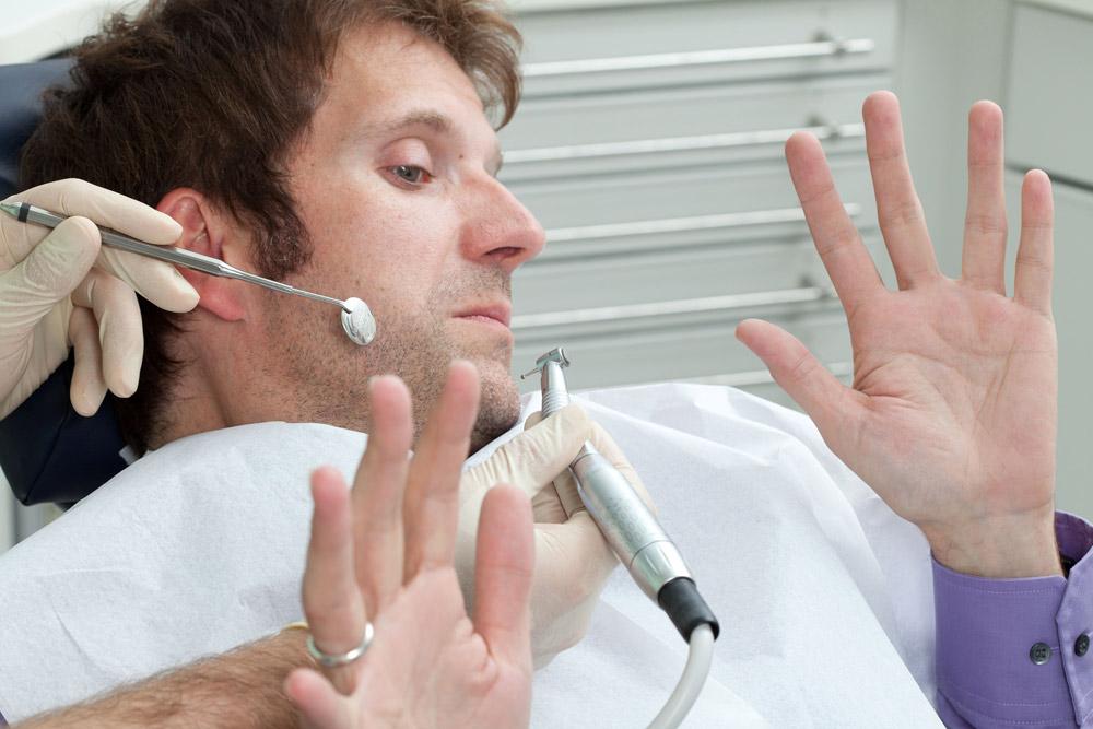 Zahnarzt Aalai behandelt Angstpatienten in Fürth