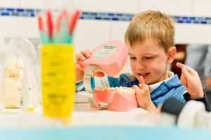 Zahnarztbesuch bei Kleinkindern